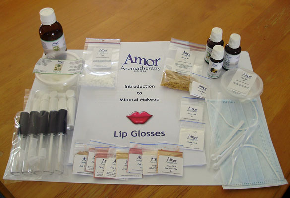 Mineral Makeup Lip Gloss Kit